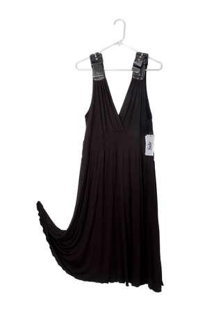 販売タグぶら下げとハンガーにノースリーブの黒ドレス