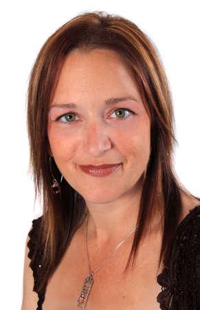 edad media: Bastante close up retrato de mujer en sus 40 a�os con gran piel sobre un fondo blanco  Foto de archivo