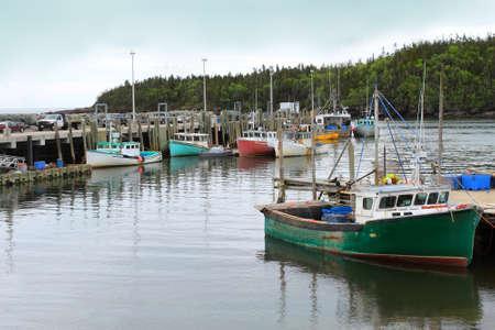 カラフルな漁船ドッキング チャンス港、ニューブランズウィック州、カナダ 写真素材