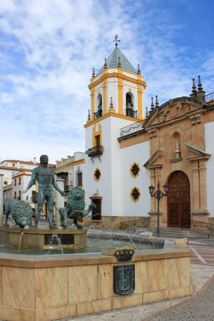 Architecture, and decorative fountain in a square in Rhonda, Spain Imagens