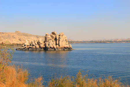 nile river: Rock formations along the Nile River in Aswan, Egypt