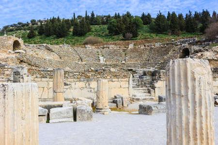 Odeion en el estado de Ágora en las ruinas de Éfeso, Turquía, en el Oriente Medio Foto de archivo - 79351168