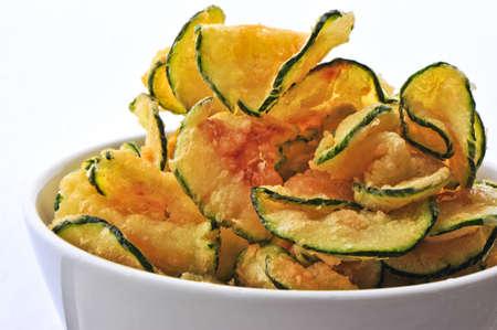 zapallo italiano: caliente se fr�en chips de calabac�n