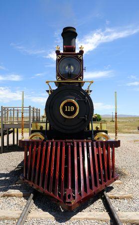 espigas: Hist�rica locomotora de vapor en el monumento hist�rico nacional de Golden Spike