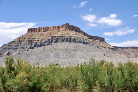 butte: North Caineville Butte - Utah Desert
