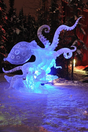 Fairbanks, Alaska, February 27, 2010: Blue Ring Octopus Ice Sculpture, 2010 World Ice Art Championships  Sajtókép
