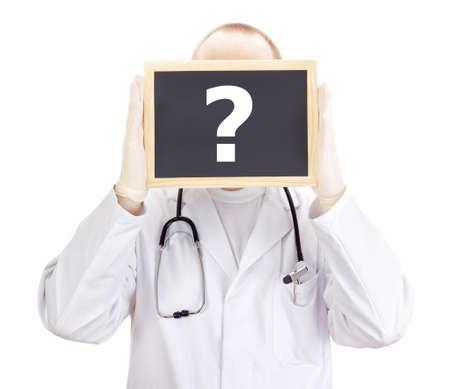point d interrogation: Docteur affiche des informations sur le tableau noir: point d'interrogation