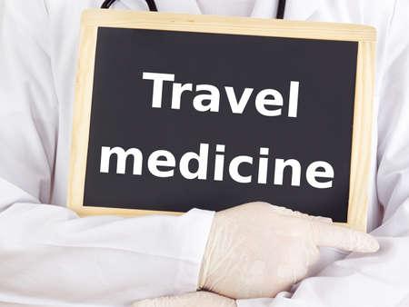Arzt zeigt Informationen: Reisemedizin Standard-Bild - 16752033
