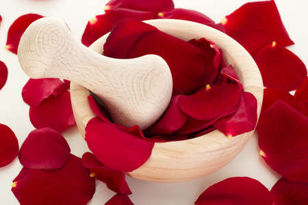 spoiling: Rose petals with mortar