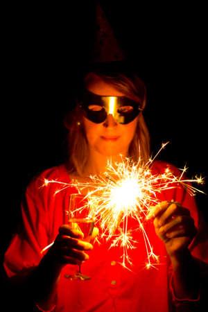 guy fawkes night: Donna con Sparkler