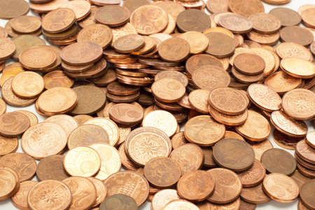 matchmaking: Donating lot of euro coins for important help in other countries