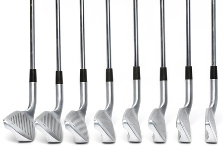 Golfclub hoek vergelijking op een witte achtergrond, klassiek blade ijzers Stockfoto - 14771452