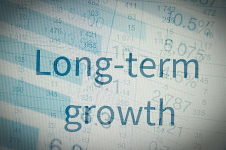 """ganancias: La inscripci�n """"El crecimiento a largo plazo"""". Concepto de ganancias corporativas."""