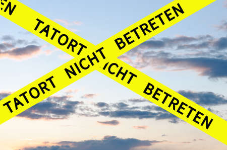 Tatort nicht betreten (Escena del crimen no escriba) Barrier Tape Cross