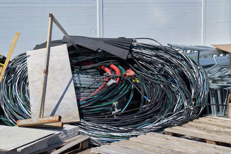 Aerial bundled cable on construction site. Imagens