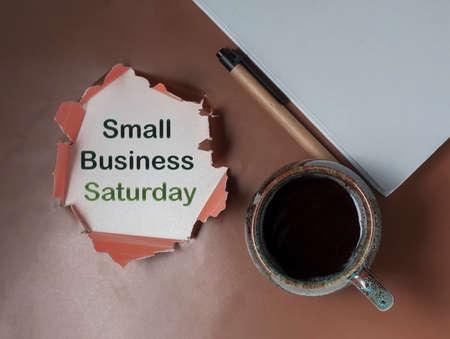 Escritura a mano conceptual mostrando la pequeña empresa el sábado. Exhibición fotográfica de negocios americana festiva celebrada durante el sábado