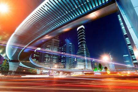 sfondo luci: Highway Megacity di notte con scie luminose a Shanghai in Cina. Archivio Fotografico