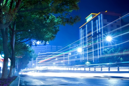 The citys night scene, the car lights as flow lines.
