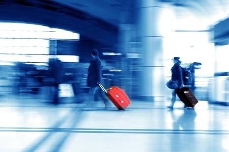 hetzen: Airline-Passagiere am Flughafen