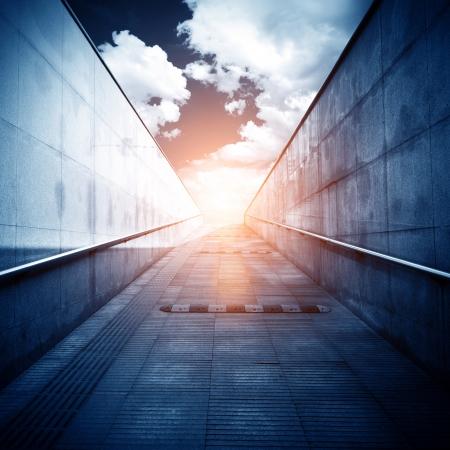 tunnel: La luz al final del t�nel. Foto de archivo