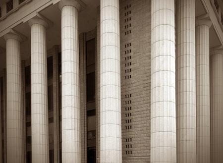 derecho romano: Primer plano de una columna clásica brillante Foto de archivo