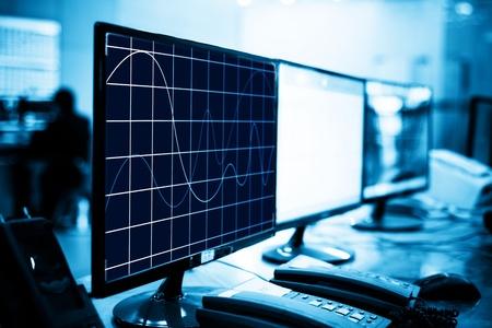Moderne Leitwarte und Computer-Monitore Standard-Bild - 20507141