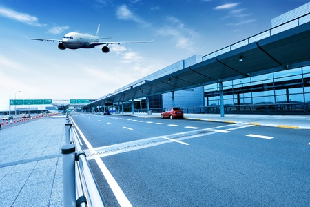 glass fence: Carriageways of the Shanghai Pudong International Airport