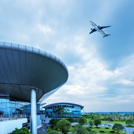 Shanghai Pudong Airport Terminal and aircraft