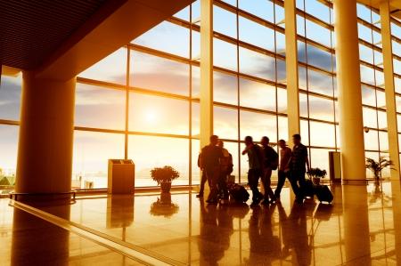 getaways: pasajero en el aeropuerto, el desenfoque de movimiento