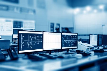 Sala de control de planta moderna y monitores de ordenador Foto de archivo - 22663291