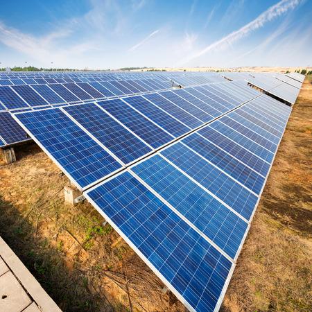 太陽電池パネル - 追跡システム