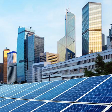 paneles solares: Modernos paneles solares de arquitectura y de Hong Kong