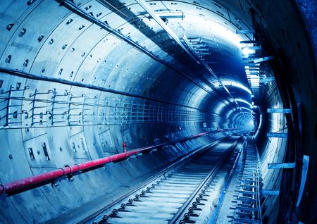 深い地下鉄トンネル工事 写真素材