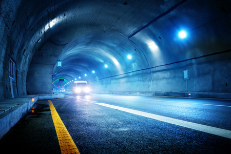 High-speed car in the tunnel, Motion Blur. Imagens - 35475548