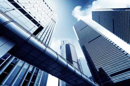 construcci�n: Metr�polis del moderno edificio de oficinas de Shanghai Foto de archivo