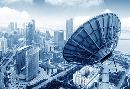 Luchtfoto van de stad en het gerecht