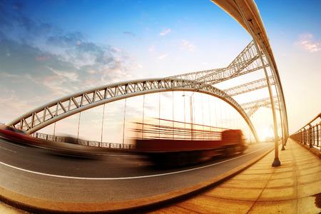 speed: Puentes y alta velocidad de conducci?n de camiones