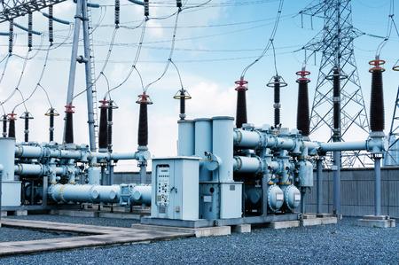 高電圧電源変電所