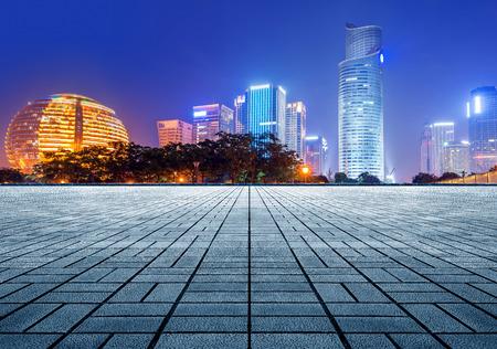 Pavimento in marmo vuoto con cityscape e skyline di hangzhou