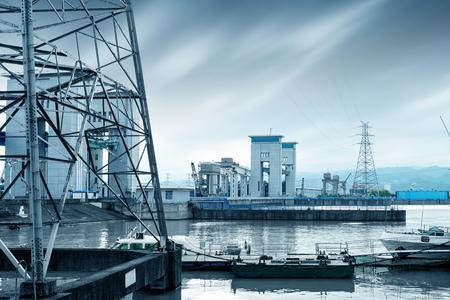 lift gate: The famous Gezhouba large water conservancy in Chinas Yangtze River.