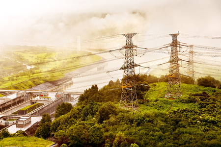 lift gate: The huge Three Gorges Dam on Chinas Yangtze River