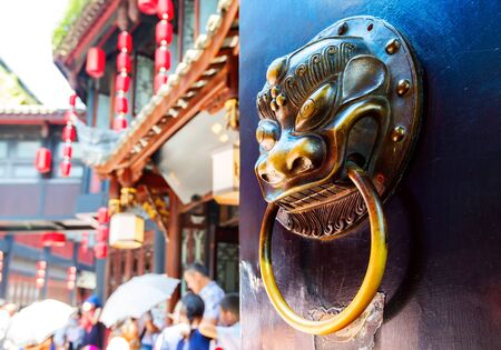messing: Koperen klopper leeuw patroon, Chinese klassieke stijl.