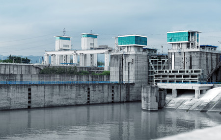 lift lock: The famous Gezhouba large water conservancy in Chinas Yangtze River.