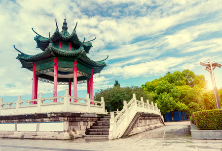yichang: Blue sky background of the ancient Chinese architecture, Hubei Yichang