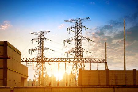 Hochspannung post.High-voltage tower Himmel Hintergrund Standard-Bild - 84723946