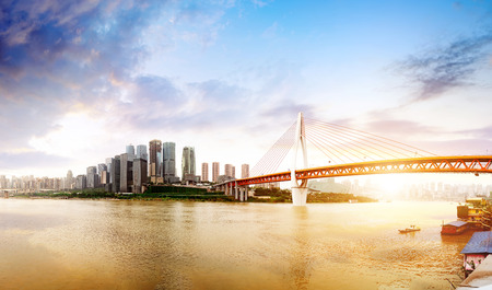 Schemeringsmoment, de moderne gebouwen in de Yangtze-rivier, Chongqing, China. Stockfoto - 89830557