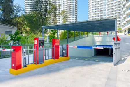 Steigende Armzugangssperre am Parkplatz