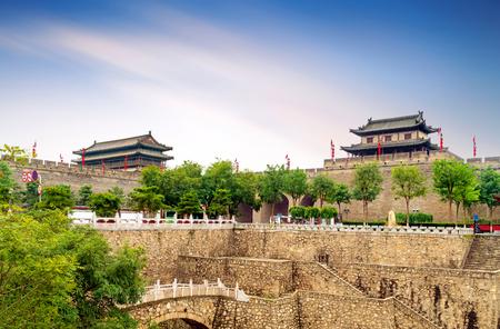 Xian ancient city wall and moat, China Shaanxi. Imagens