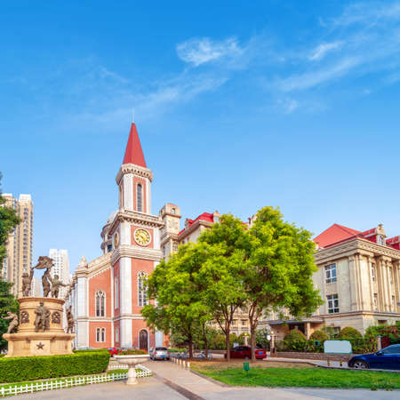 Historic building by the road, Tianjin, China. Stockfoto