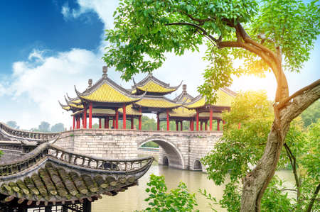 Wuting Bridge, also known as the Lotus Bridge, is a famous ancient building in the Slender West Lake in Yangzhou, China.